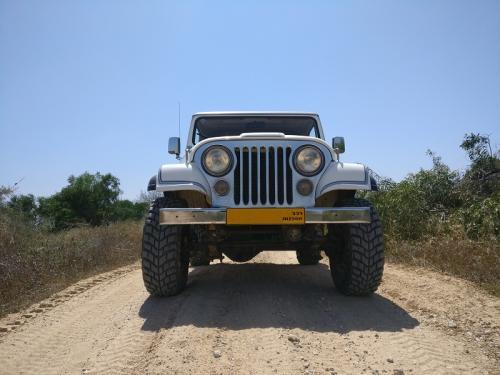 Jeep CJ-7 Laredo